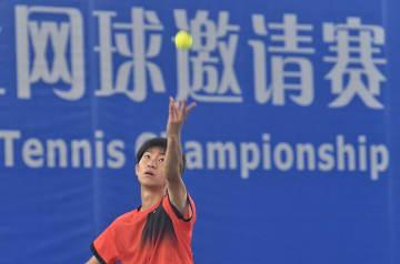 大学テニス国際大会で慶應が初戦勝利 四川省成都市で開催
