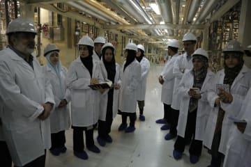 イランのメディアに公開された同国中部ナタンズのウラン濃縮施設=5月8日(イラン原子力庁提供・共同)