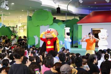 移転拡張しオープンした「横浜アンパンマンこどもミュージアム」=7日午後、横浜市西区