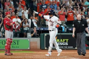 同点となる満塁本塁打を放ったアストロズのユリエスキ・グリエル【写真:AP】