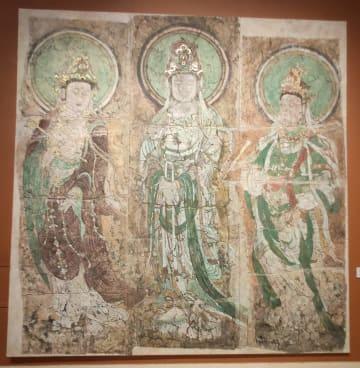 大英博物館所蔵の「行唐清涼寺三菩薩壁画」模写、河北省で展示