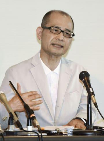 無痛分娩事故の被害者の会が発足し、記者会見する代表の安東雄志さん=8日午後、大阪府富田林市