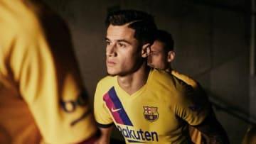 新アウェイユニフォームを着用したコウチーニョ  写真:@FCBarcelona