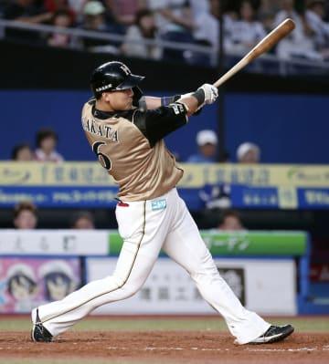 3回日本ハム2死一塁、中田が左中間に2打席連続の2ランを放つ=ZOZOマリン