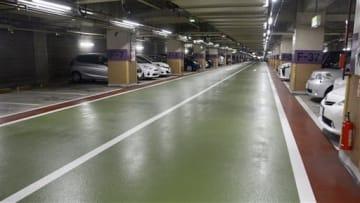 カーシェアリング事業で2台分の専用スペースを設ける熊本市辛島公園地下駐車場=5日、熊本市中央区