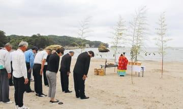 無事故、無災害を祈った海開き神事