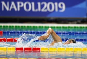 競泳女子800メートル自由形で金メダルを獲得した小堀倭加=ナポリ(共同)
