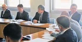 道教委が示した公立高校配置計画案について意見を交わした協議会