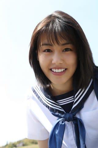 ファースト写真集を7月26日に発売する竹内愛紗さん