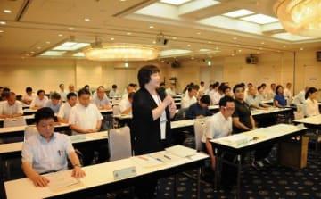 南部九州インターハイに向け、目標を語る出席者=岡山市