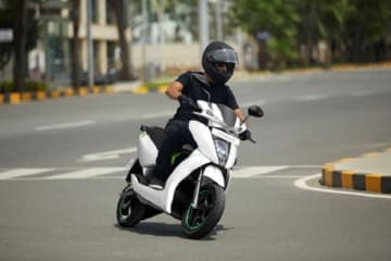 A man rides an electric scooter in the southern Indian city of Bengaluru on April 24. EV sales in India more than doubled to 130,620 units in fiscal 2019. (Photo: Ather Energy Pvt. Ltd.)