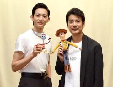 「トイ・ストーリー4」の日本語吹替え版で共演した唐沢寿明さん(右)と竜星涼さん