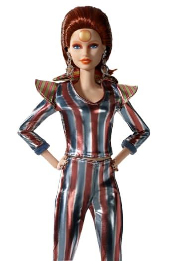 発売されるデビッド・ボウイさんをモデルにしたバービー人形(MATTEL,INC.提供・共同)
