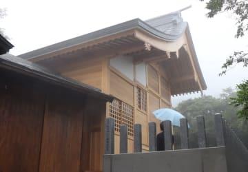 127年ぶりに新築した本殿=雲仙市小浜町、温泉神社