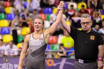 オリンピック・チャンピオンの実力を発揮するエリカ・ウィーブ(カナダ)=提供・UWW