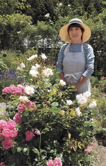 [ささき・としこ]1956年、秋田県金浦町(現にかほ市)生まれ。本荘高卒。2004年5月にガーデンカフェTimeをオープンさせた。