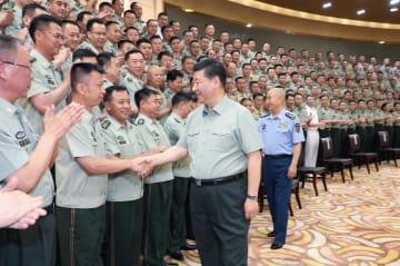 習近平氏、内モンゴル自治区視察 駐屯部隊の指導幹部に親しく接見