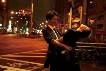 二人の前に立ちはだかる愛の試練とは…? - 『宮本から君へ』場面写真 - (C)2019「宮本から君へ」製作委員会