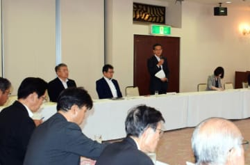 ILC誘致へ結束を確かめる連絡会議の出席者