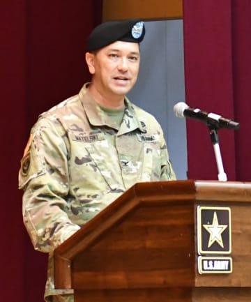 在日米陸軍基地管理本部の司令官に就任したマテルスキー大佐 =キャンプ座間
