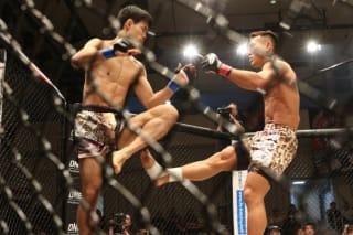 高橋遼伍は破壊力のあるふくらはぎへのローキックでKO勝ちを重ねる