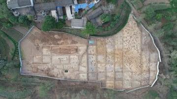 金沙江沿岸の青銅器時代古墓群から千点近い器物が出土 雲南省巧家県