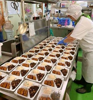 面積拡大や新機械などを整備して、生産性向上や新商品開発などに取り組む池田食品(西原町)の工場(いずれも同社提供)