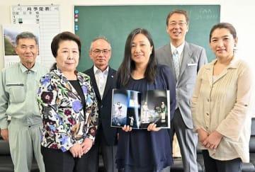 一般社団法人「熊野新宮ミュージアム」の設立をアピールする関係者(18日、和歌山県新宮市で)