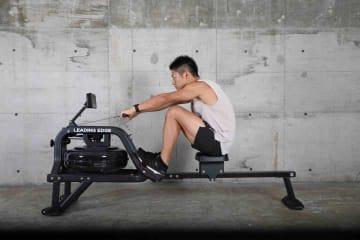 5万円台の「ウォーターローイングマシン」登場。全身運動で体幹が鍛えられる筋トレマシン