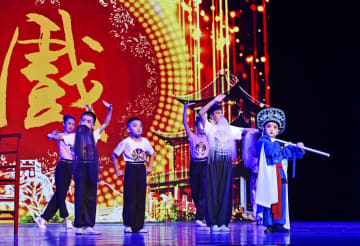 国粋芸術・京劇公演、本渓で開催 遼寧省