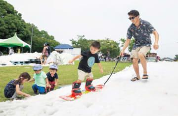 夏なのに雪が出現︎!?ららぽーと海老名で「雪でアソビナ」開催