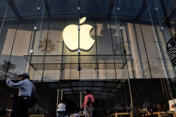 米アップルの店舗=6月15日、米カリフォルニア州サンタモニカ(AP=共同)