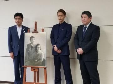木幡浩福島市長、窪田正孝さん、土屋勝裕さん(左から)