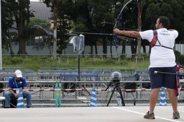 無観客で開催された東京五輪・パラリンピックのアーチェリーテスト大会=7月15日、東京都江東区の夢の島公園アーチェリー場