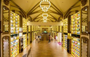 リアル書店、公共文化の新しい空間に 中国