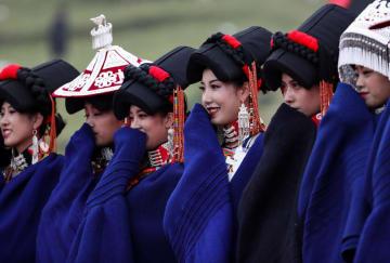 千年の歴史あるコンテストで美を競う 四川省涼山イ族自治州