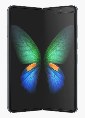 サムスン電子の折り畳めるスマートフォン「ギャラクシーフォールド」(同社提供・聯合=共同)