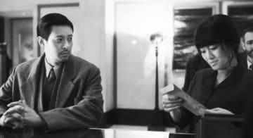 オダギリジョーとコン・リー『サタデー・フィクション』場面カット - (C) YINGFILMS