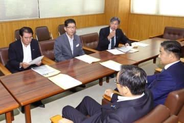 石崎徹氏を巡る問題の対応を協議した自民党県連幹部=25日、新潟市中央区