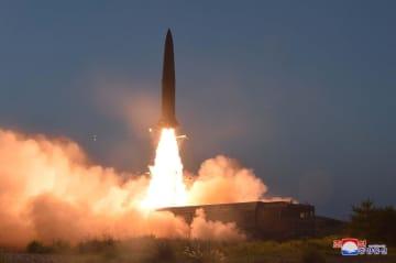 北朝鮮が25日発射した「新型戦術誘導兵器」(朝鮮中央通信=共同)