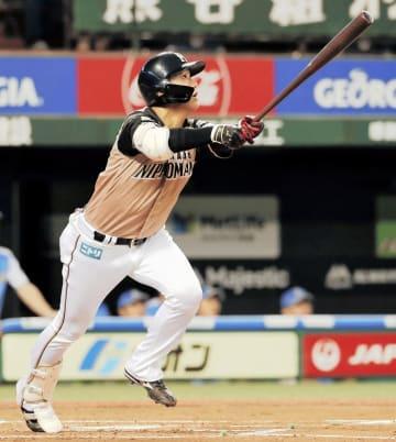 西武―日本ハム 2回日本ハム無死、平沼翔太が右越えにプロ初本塁打を放つ=7月26日、埼玉県所沢市のメットライフドーム