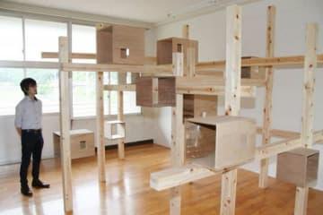 キャットタワーを備えた猫用飼育部屋