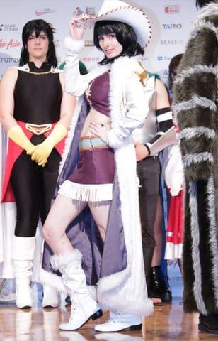 「世界コスプレサミット2019」のオープニングセレモニーに登場した「ONE PIECE」のニコ・ロビンのコスプレーヤー
