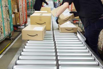 アマゾン・ブックス、アマゾンゴーなどリアル化も怠ってはいない