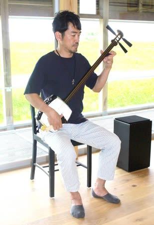 NY公演に向け、7月に完成したスタジオで練習する史佳さん=新潟市江南区