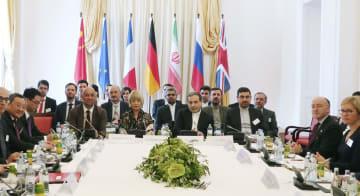 28日、イラン核合意を巡る当事国の次官級合同委員会に参加した各国代表ら=ウィーン(共同)