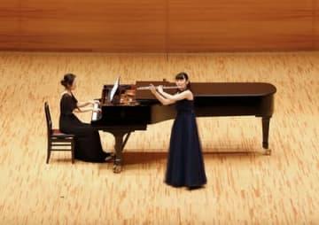 日々の練習の成果を披露した第54回県音楽コンクール=28日、新潟市中央区