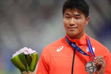 陸上男子100メートルで日本人3人目9秒台を記録した小池祐貴選手が始球式に登場する【写真:Getty Images】