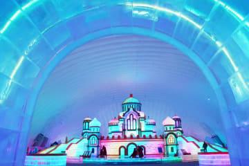 真夏に楽しむ「氷雪の世界」 黒竜江省ハルビン市