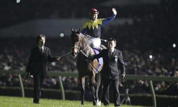 2006 有馬記念 (G1) ディープインパクト 引退式 写真:アフロ